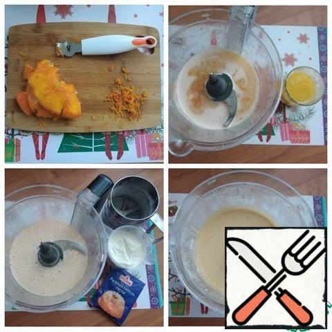 Remove the zest from the same orange ~ 1 tsp. We send orange juice and zest to a beaten mixture of eggs with sugar, combine. Melt the butter. I use microwave for 55 seconds at 800 power. We send oil to the mixture, connect. Sift flour and add baking powder. We connect again. The dough is ready.