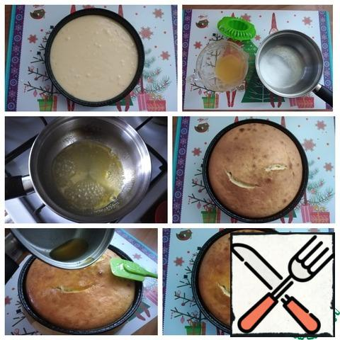 """The consistency of the dough is such that it freely pours through the spout into the mold. I took a one-time round shape D-18.5 cm and a height of 4 cm. The amount of dough is suitable for the classic muffin pan (rectangular shape). I put it in the oven for 30 minutes, setting the T-180 C. 5 minutes before the end of the time, I checked it for a """"dry torch"""". The dough does not stick to the splinter and it is dry - ready! Be guided by your oven. It is necessary to make the cake soaked so that it is ready for the end of the cake baking. Soak directly hot cake with hot soak. You need to squeeze the juice from one orange. In a container that can be placed on the stove, combine the juice with sugar and bring to a boil, cook for a couple of minutes. After removing the cake from the oven, soak it immediately."""