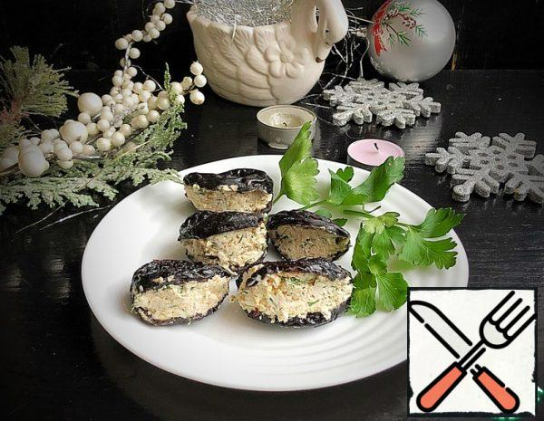 "Snack with Prunes ""Mussels"" Recipe"