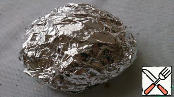 """Wrap the vegetables in foil. Put in the oven, cook on the """"grill"""" mode, 15-20 minutes."""