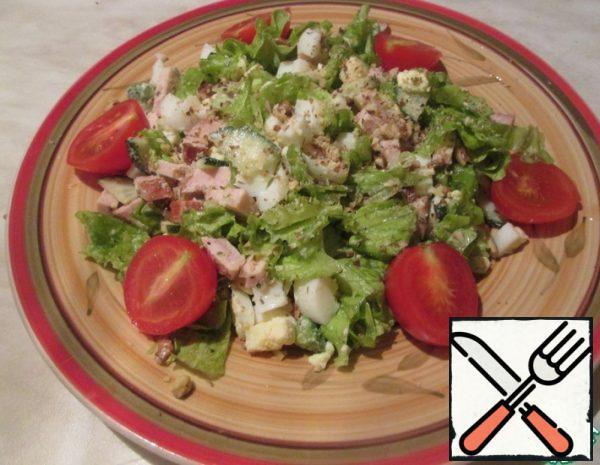 Salad with Avocado, Eggs and Ham Recipe