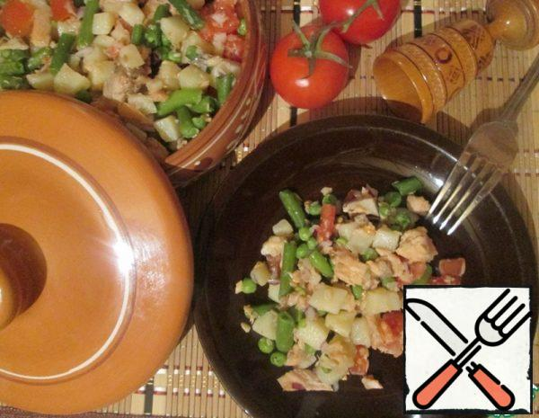 Salad with Salmon and Vegetables Recipe