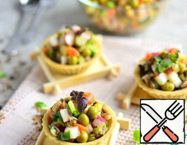 Lean Salad with Sprats Recipe