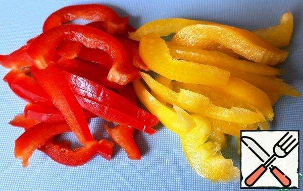 Cut the bell pepper into strips.