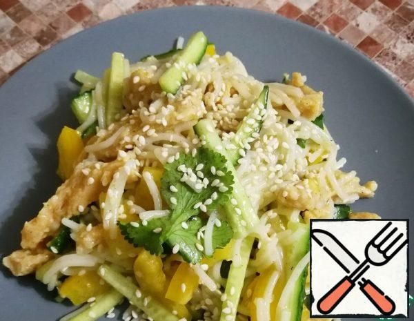Gluten-free Salad with Rice Noodles Recipe