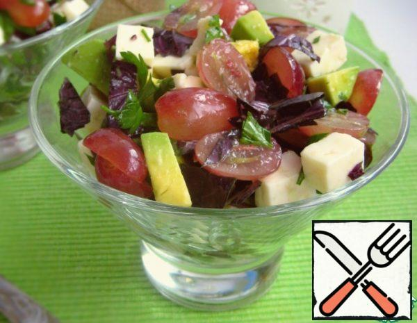 Salad with Avocado, Grapes and Cheese Recipe