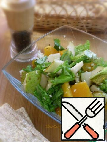 The simplest salad for dinner is ready!