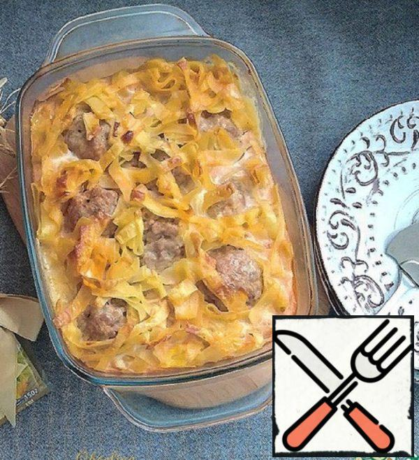 Pasta Casserole with Cheese and Meatballs Recipe