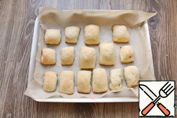 Place in a hot oven and bake at 180 degrees for 20 minutes. Remove from oven, cool and sprinkle with powdered sugar.
