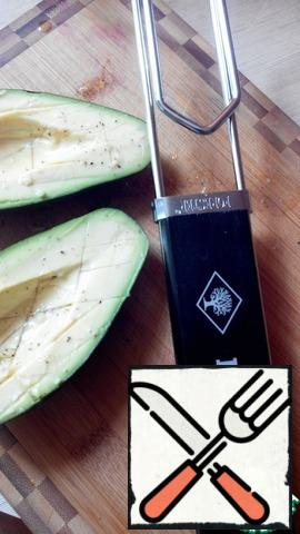Brush the lemon mixture over the avocado halves and bake on the grill for 15 minutes.