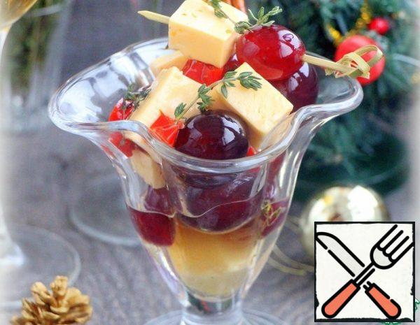 Cheese with Grapes in a spicy Marinade Recipe