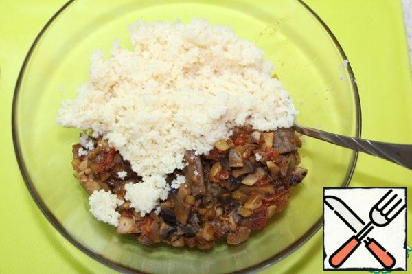 Add couscous to the cooled mushroom filling