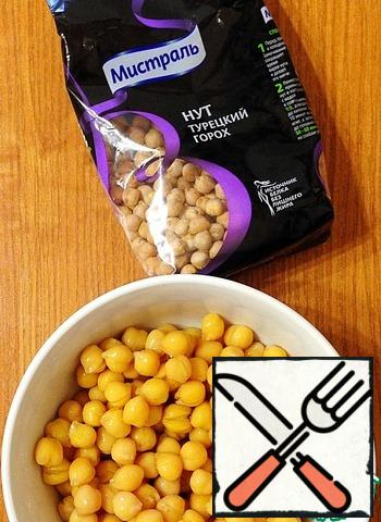 Boil the chickpeas in advance.