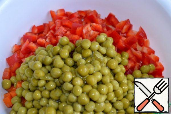 Add the green peas.