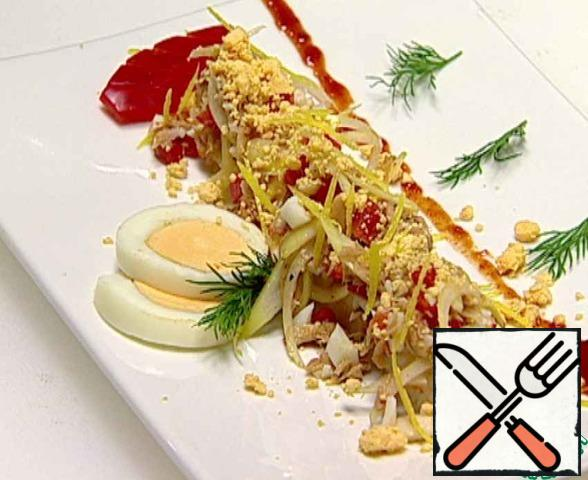 Garnish the dish with bell pepper, egg and dill.