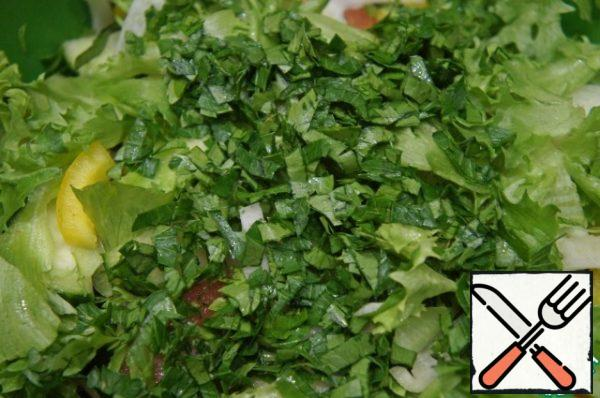 If desired, you can add finely chopped green onions and a little parsley and dill to the salad.