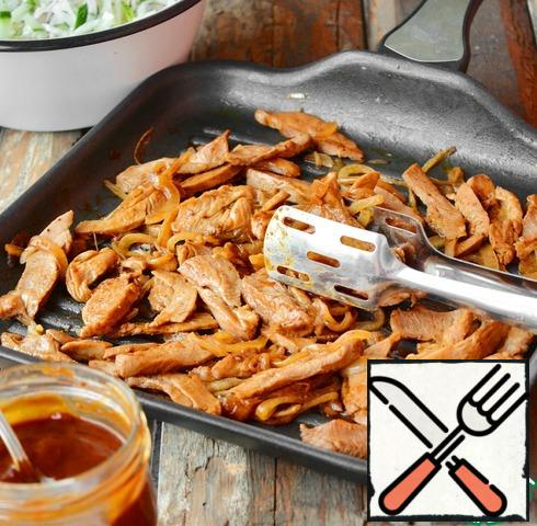 Return the turkey to the grill to the onion, add the barbecue sauce and cook all together for another 5 minutes. Remove from the grill and use immediately while the turkey is hot.