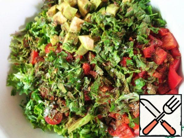 Season with salt and pepper mixture to taste, add chopped parsley.