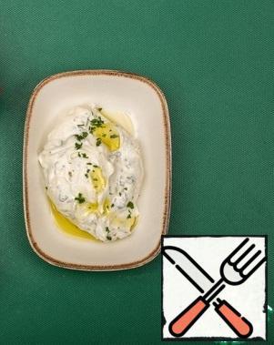 Mix the cheeses, adding lemon juice, oregano, parsley, pepper and salt to taste.