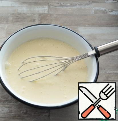 For the top layer, mix cottage cheese, processed cheese, eggs, salt, sugar, vanilla and starch