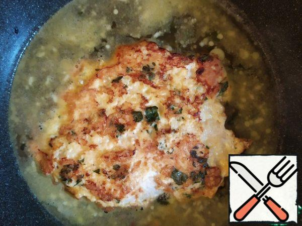 Return the chicken to the sauce and heat for 30 seconds.