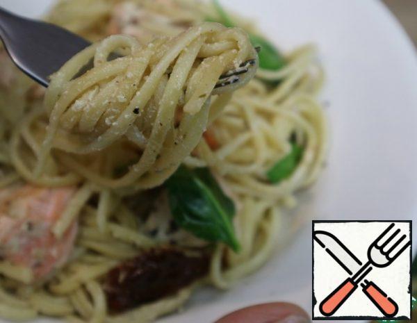 Pasta with Salmon in Cream Sauce Recipe