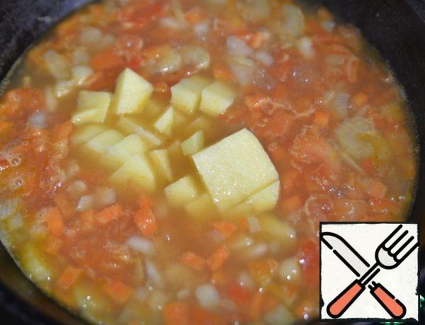Put the diced potatoes.