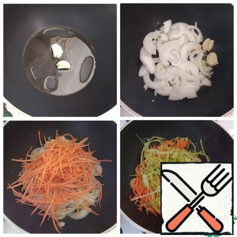 In a saucepan, heat the olive oil, spread the garlic, crushed with the flat side of the knife. After a minute, when the garlic gives its flavor to the oil, you can remove it (throw it away). We send the onion, cut into half-rings, to the saucepan. We'll make it gold. Carrot queue. Stir and simmer the vegetables for 3-5 minutes. Next, put the celery.