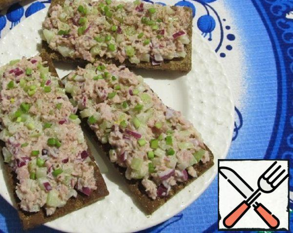 Tuna and Celery Crispbread Recipe