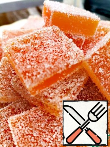 Then cut the marmalade into squares and roll it on all sides in sugar or coconut chips. From this portion, you get 800g of marmalade.