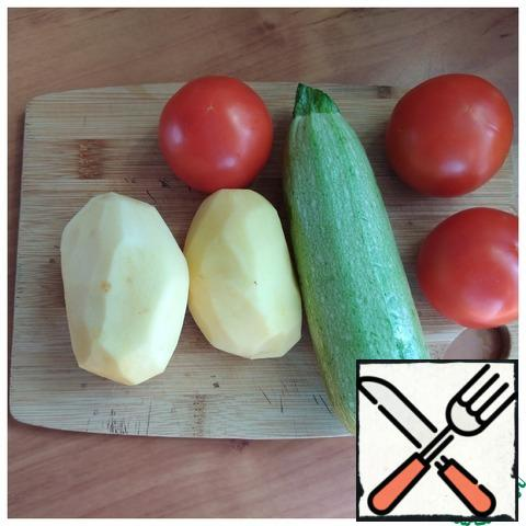 We prepare the vegetables that we need.