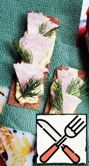 Cut the chicken ham into slices and put it on top of the pate. We decorate with sprigs of fresh dill and serve a healthy breakfast to the table!Bon Appetit!