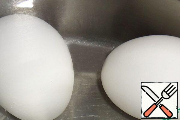 Boil hard-boiled eggs in salted water (10 minutes after boiling water).