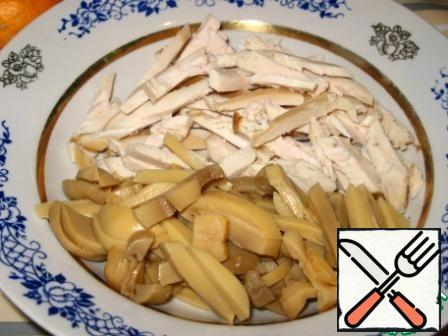 Mushrooms are also cut into strips. I used pickled mushrooms.