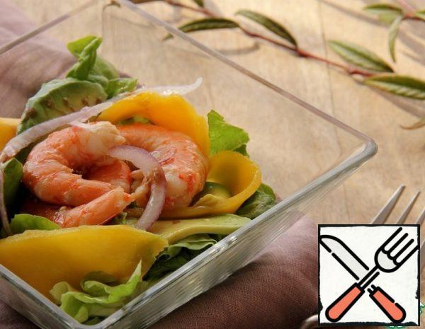 Salad with Shrimp, Avocado and Mango Recipe