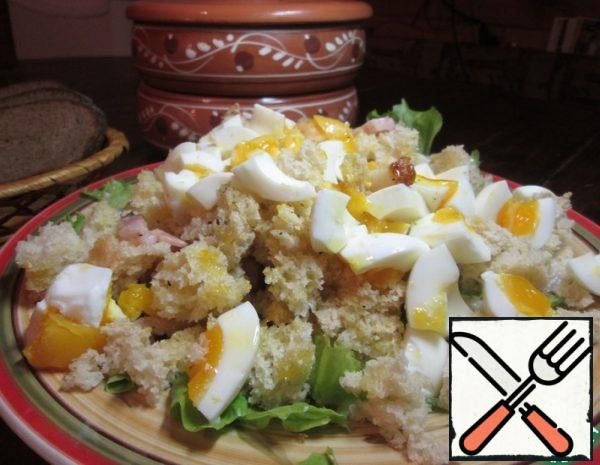 Warm Salad with Egg and Bacon Recipe