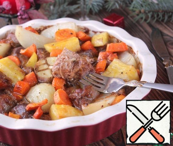 Meat, potatoes and especially carrots in this dish is simply divine.