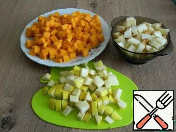 Cut the pumpkin, quince, and apples into cubes.
