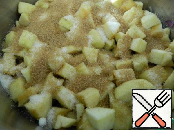 After the apples, add sugar.
