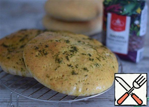 Bake the pies in a preheated 180° oven for 20-25 minutes. Ready-made pies can be greased with vegetable oil mixed with chopped herbs. Or aromatic vegetable oil. Everything is ready!