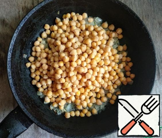 Add chickpeas, fry for 2-3 minutes.