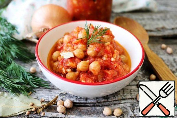 Chickpeas in tomato sauce can be eaten both hot and cold. This is a side dish, and an independent dish, and a salad. You can make soup or stew with it.