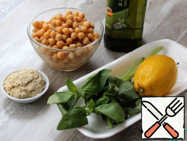 For the hummus, prepare all the ingredients according to the list.