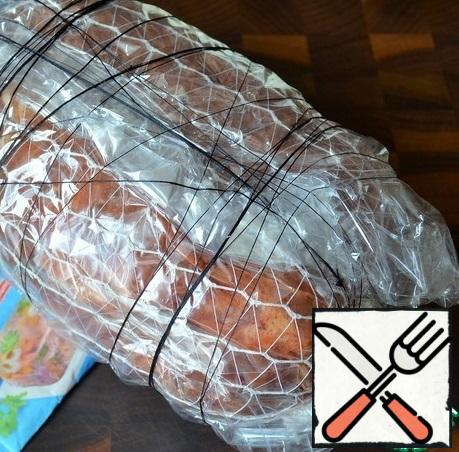Still pack in a sleeve for baking, wrapping 2-3 times, tie with threads.