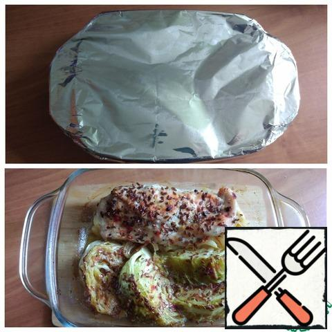 Put in the oven first under the foil, exposing the t-180 C for 40 minutes. There is a risk of burning honey with an unprepared dish. Then, about 10 minutes before cooking, I will remove the foil and brown it to a beautiful color. Be guided by your oven. The dish is ready.