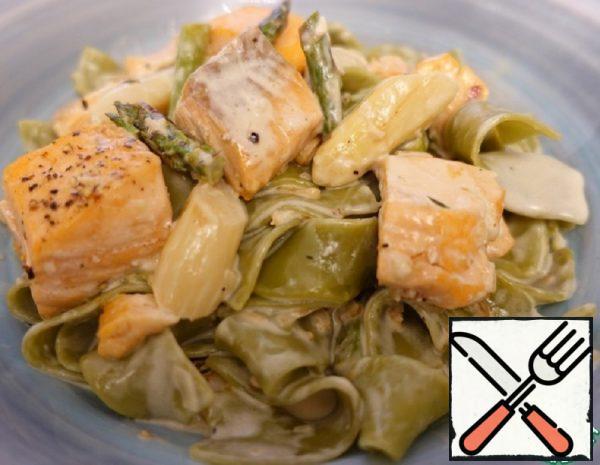 Spinach Pasta with Salmon Recipe