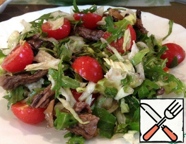 Warm Salad with Arugula and Veal Recipe