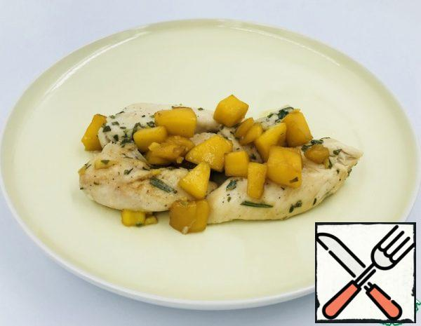 Season the chicken fillet with salt and pepper, and add the chopped rosemary and thyme leaves. Fry in a frying pan, put in a fireproof dish and put in the oven for 10 minutes (180 C).