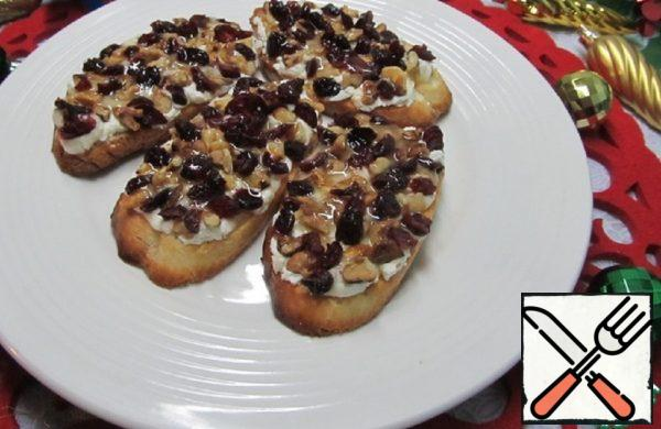 Snack Sandwiches with Cheese, Nuts, Cranberries Recipe