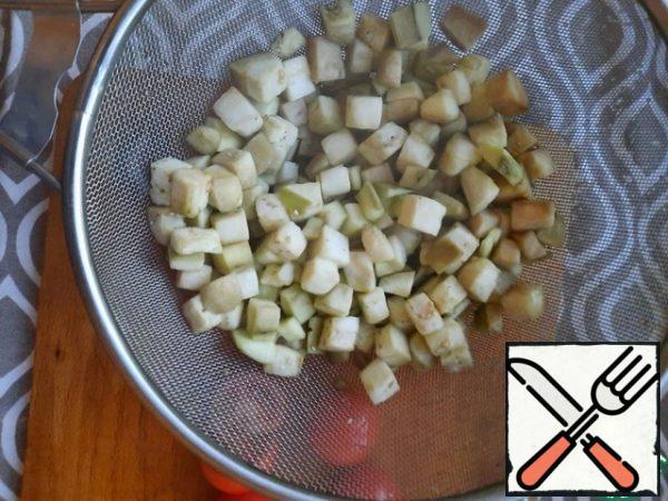 Cut the eggplant into cubes
